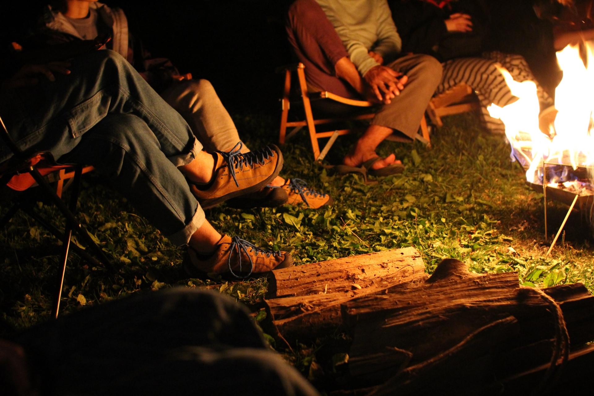 【2020年秋冬】焚き火キャンプにおすすめの難燃性アウトドアウェアまとめ【ジャケット・パンツ他】