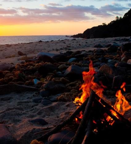 焚き火キャンプ おすすめの難燃性アウトドアウェア